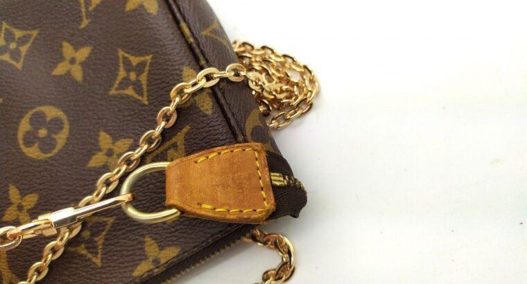 Louis Vuitton Vintage pochette accessoires 5.1 in