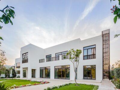8 room luxury Villa for sale in Dubai
