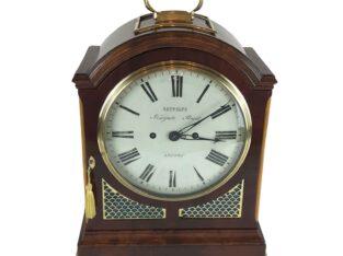 19TH CENTURY GEORGE III MAHOGANY BRACKET CLOCK