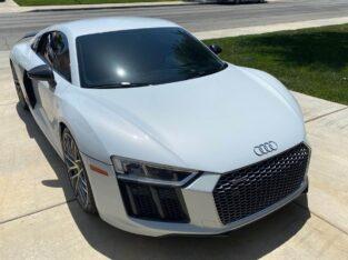 Superb 2017 Audi R8 Driven 23,000 miles