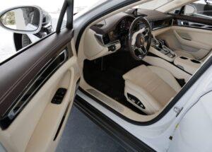 majestic 2017 Porsche Panamera
