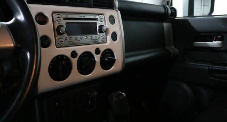 2014 Gorgeous Toyota FJ Cruiser 4WD