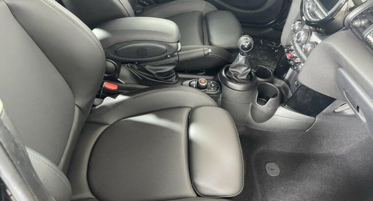 Brilliant 2019 MINI Cooper S 4-Door Hatchback FWD