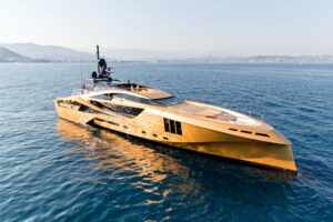 5 IMPORTANT TIPS BEFORE BUYING YOUR FIRST YACHT