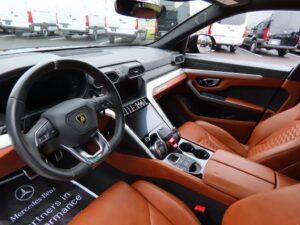 Striking 2019 Lamborghini Urus 4WD for sale